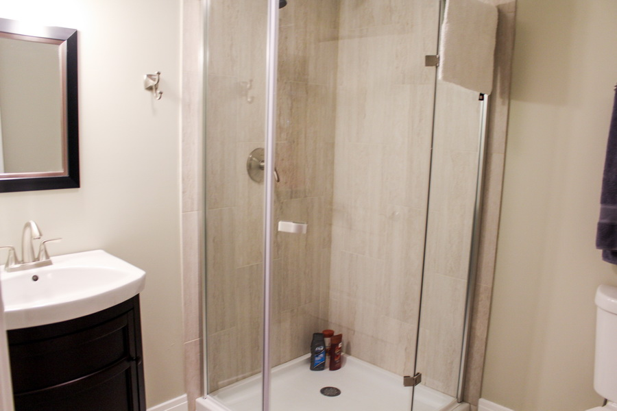 Bathroom Cleaning - Bathroom deep cleaning service